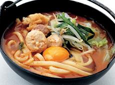 【商品番号 565717 に変更となりました】キンレイ)具付麺 あったかチゲ鍋うどんセット 285g