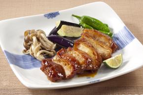 ニチレイ)鶏モモ肉の熟成照焼き130g【旧商品 530320 からの切り替え】